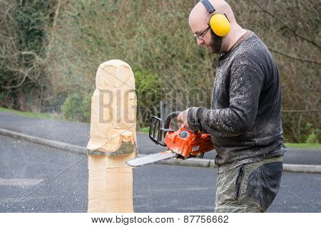 Chainsaw Sculptor