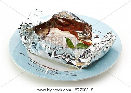 Fish in Foil with Cherry Tomato, Onions and Vegetables