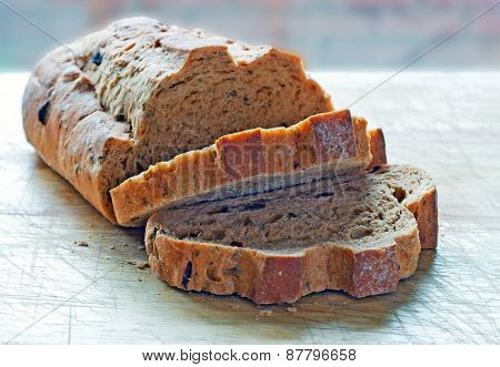 Mediterranean Sun Dried Tomato And Olive Bread