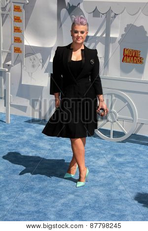 LOS ANGELES - FEB 11:  Kelly Osbourne at the MTV Movie Awards 2015 at the Nokia Theater on April 11, 2015 in Los Angeles, CA