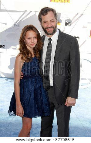 LOS ANGELES - FEB 11:  Iris Apatow, Judd Apatow at the MTV Movie Awards 2015 at the Nokia Theater on April 11, 2015 in Los Angeles, CA
