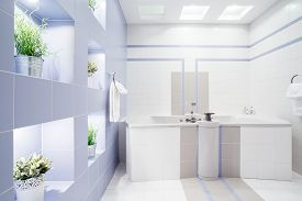 picture of enormous  - Spacious modern bathroom with enormous bath - JPG