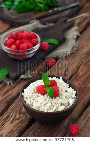 Cottage Cheese And Fresh Raspberries