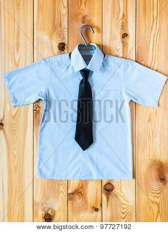 Children's Shirt With Short Sleeves And Tie Top View