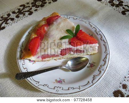 Strawberry homemade cake