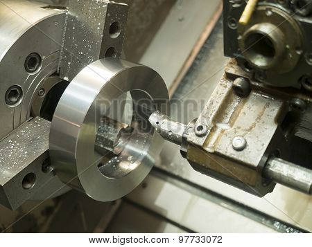 Operator Machining Mold And Die Parts For Automotive