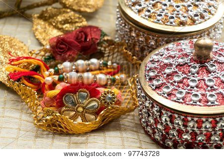 Rakhi Thread With Decorated Boxes