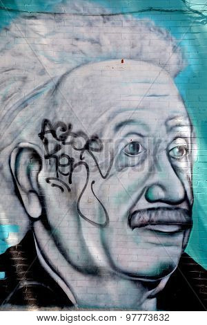 Street art Montreal Abert Einstein