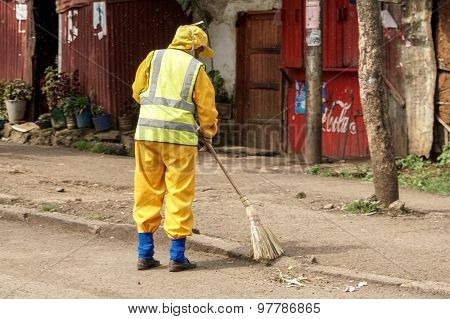 Cleaning Addis Ababa's Streetsaa