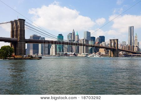 New York, Brooklyn Bridge und Manhattan skyline