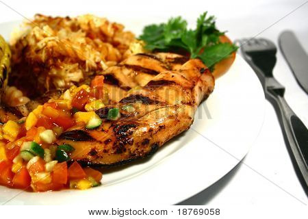grilled chicken breast with mango salsa and baked pasta