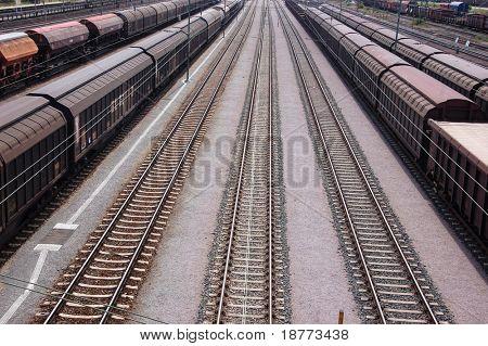 Trenes de carga y líneas de ferrocarril