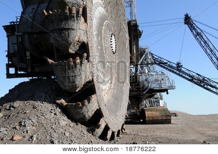 Bergbaumaschinen; Closeup of Bucketwheel-Verwerter, verwendet in Oil Sands Minen in Alberta, Kanada