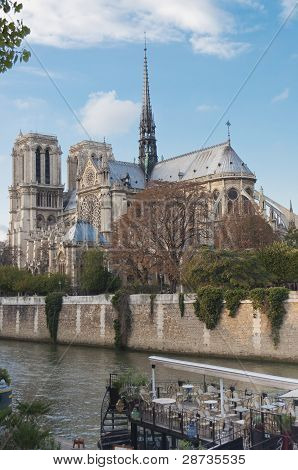 Notre Dame Cathedral and Riverboat Cafe.