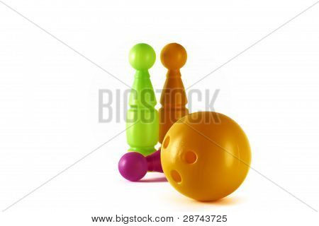 Three pins and ball
