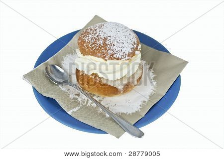 Cream bun with almond paste