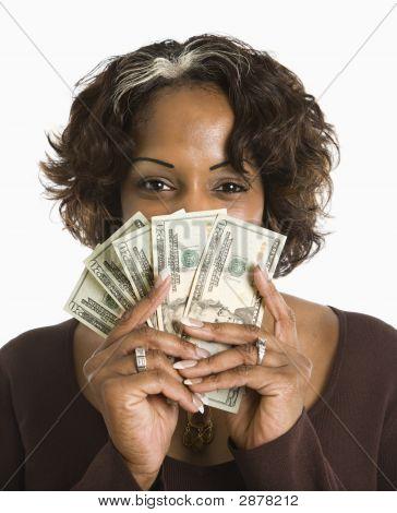 Frau Holding Cash.