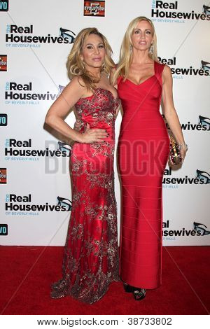 LOS ANGELES - OCT 21:  Adrienne Maloof, Camille Grammer arrive at