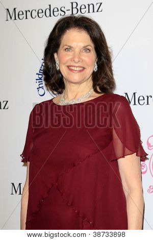 LOS ANGELES - OCT 20:  Sherry Lansing arrives at  the 26th Carousel Of Hope Ball at Beverly Hilton Hotel on October 20, 2012 in Beverly Hills, CA