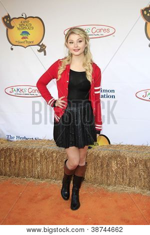 LOS ANGELES - OCT 21: Stefanie Scott at the Camp Ronald McDonald for Good Times 20th Annual Halloween Carnival at the Universal Studios Backlot on October 21, 2012 in Los Angeles, California