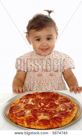 Chica y Pizza 15 meses de edad