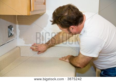 Installing Countertop Backsplash