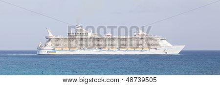 Philipsburg, St. Maarten-july 25 Royal Caribbean,allure Of The Seas, Leaving St. Marten On July 25 ,