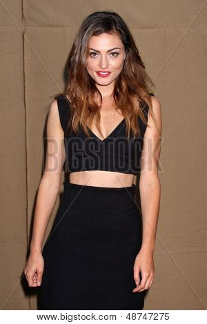 LOS ANGELES - JUL 29:  Phoebe Tonkin arrives at the 2013 CBS TCA Summer Party at the private location on July 29, 2013 in Beverly Hills, CA