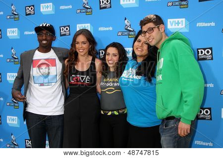 LOS ANGELES - 31 de JUL: (L-R) Daniel Maree, Jillian luto, Sasha Fisher, Lorella Pareli, Ben Sim