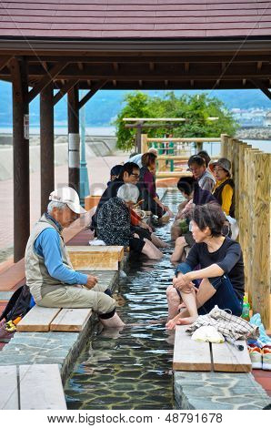 Obama, Japan - Oct 23: Unidentified People Have Foot-unzen In The Public Unzen Near The Beach On Oct