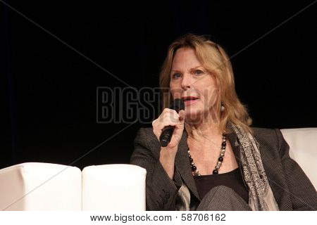 Mariette Hartley appearing at the Los Angeles Ultimate Women's Expo, Los Angeles Convention Center, Los Angeles, CA 10-27-13