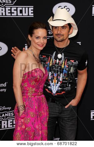 LOS ANGELES - JUL 16:  Kimberly Williams-Paisley, Brad Paisley at the