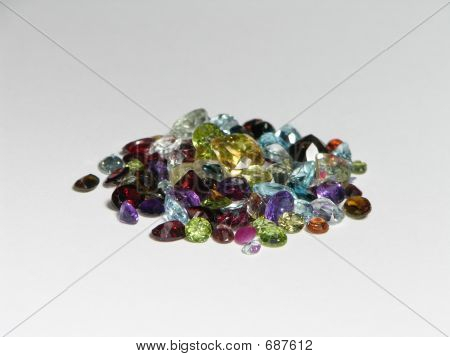 Mixed Faceted Parcel
