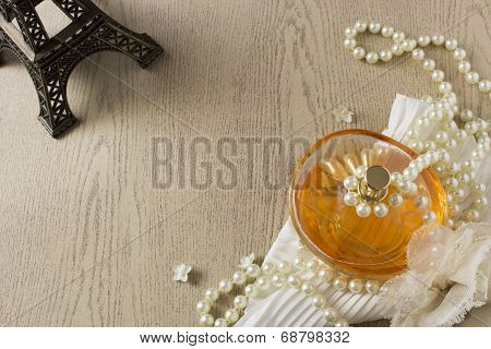 Elegance Perfume Bottle with white pearls and Eifle tower