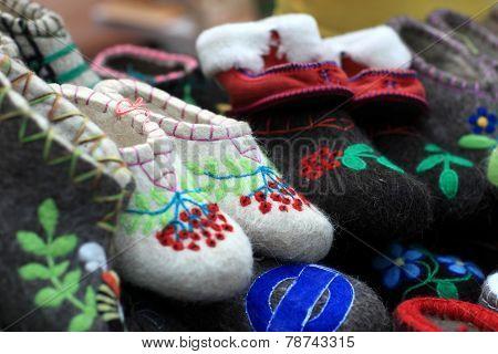 Various Felt Slippers