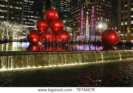 Christmas decorations in Midtown Manhattan near Rockefeller Center