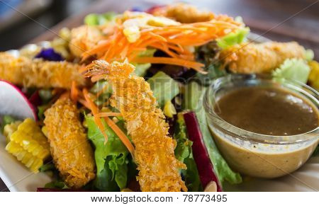 Fried Shrimp Mix With Salad