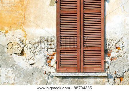 Varano Palaces Italy   Abstract  Sunny Day