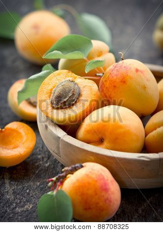 Apricots ripe and healthy in the bowl