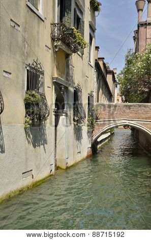Venetian Brick Bridge