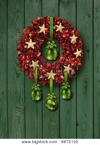 Red Christmas Garland auf grüne Tür