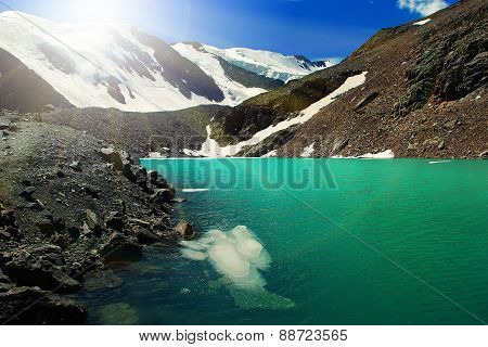 Beautiful Blue Lake at the Aktru mountains in Altai