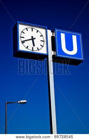 U Bahn Subway Sign And Clock