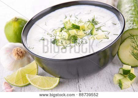 sauce with cucumber and dill