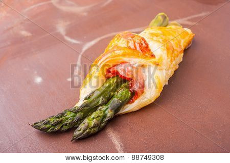 Green Asparagus Baked In Puff Pastry