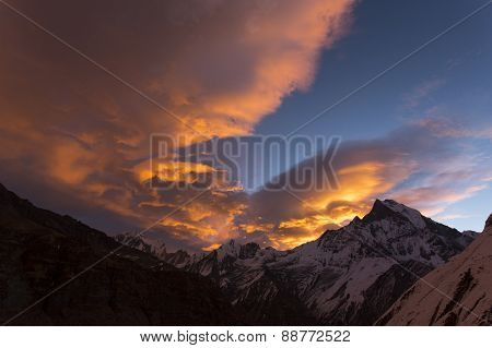 View Of Machhapuchchhre Mountain At Sunset - Fish Tail In English Is A Mountain In The Annapurna Him