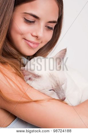 Brunette Beauty With Cat.