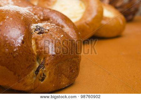 Challah With Raisins