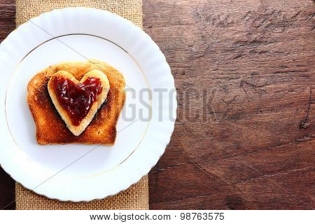 Seasonal table for Valentine's love with a delicious breakfast.