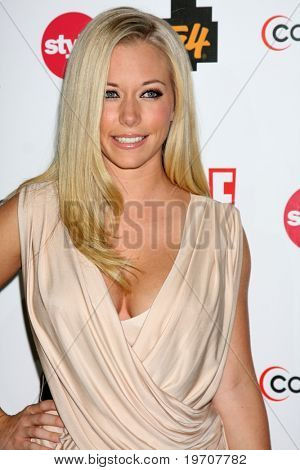 LOS ANGELES - AUGUST 6:  Kendra Wilkinson at the Comcast Entertainment Group Summer 2010 TCA Cocktail Party at Beverly Hilton Hotel on August 6, 2010 in Beverly Hills , CA